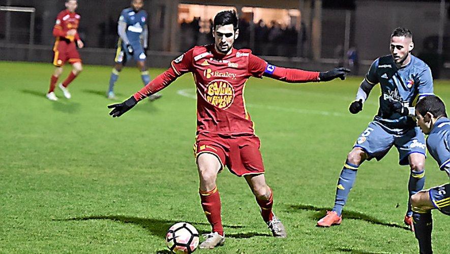 Après leur sévère défaite à Marignane, les Ruthénois ont maîtrisés des Toulonnais très tendus. Une victoire 1-0 qui permet au Raf de finir l'année avec le titre de champion d'automne.