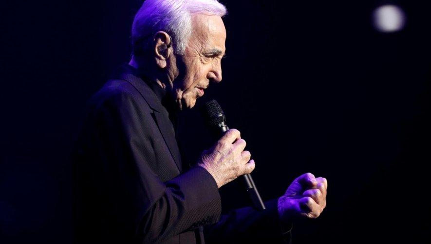 Le chanteur franco-arménien Charles Aznavour le 21 décembre 2016 au Palais des Sports à Paris