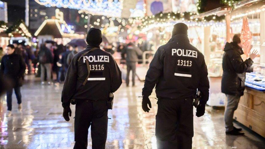 Des policiers déployés le 22 décembre 2016 à Berlin