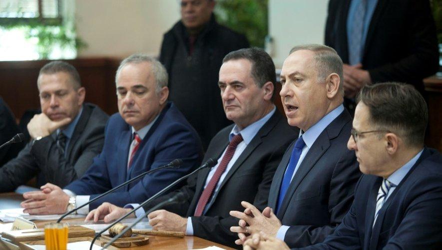 Le Premier ministre israélien Benjamin Netanyahu, lors de la réunion hebdomadaire du gouvernement israélien, à Jérusalem, le 25 décembre 2016