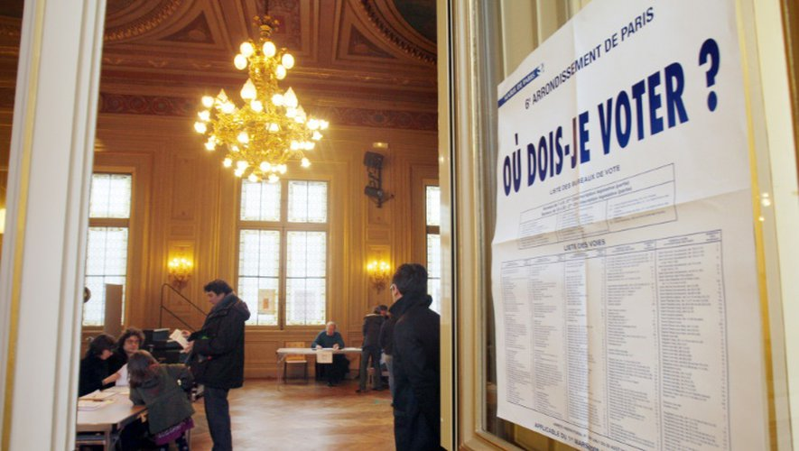 Un bureau de vote le 9 mars 2008 dans le sixième arrondissement à Paris