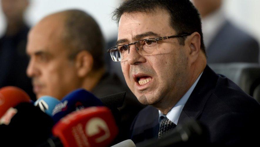 """Le ministre de l'Intérieur Hédi Majdoub a révélé que 800 jihadistes tunisiens étaient déjà rentrés, et assuré que les autorités détenaient """"toutes les informations sur ces individus"""""""
