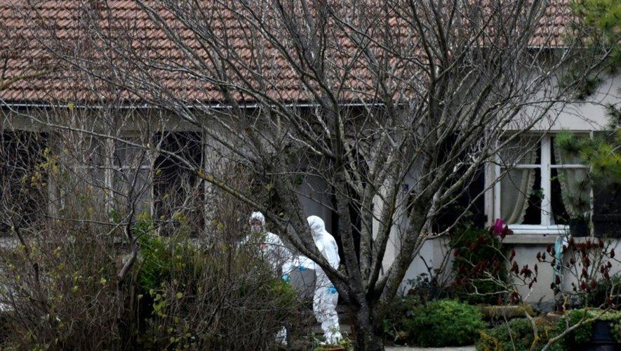 La police scientifique sur les lieux d'un des meurtres de la Drôme, à Chabeuil, le 26 décembre 2016