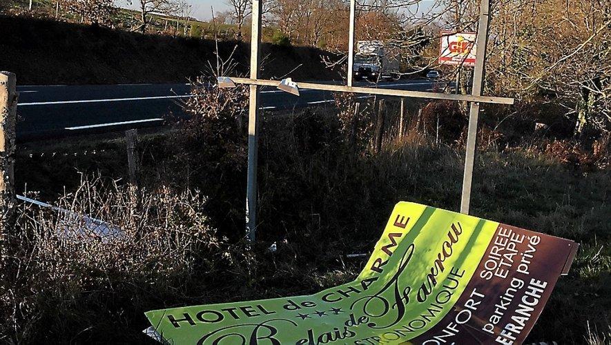 Situés à Maleville, en bordure de la RD 1, ces panneaux ont été enlevés le 14 décembre dernier.