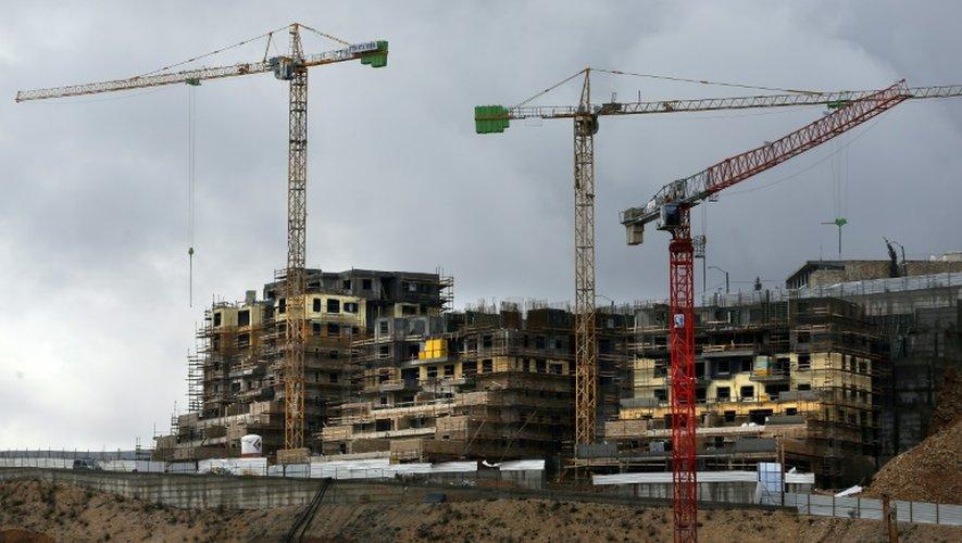Des immeubles en construction dans la colonie de Ramot, le 27 janvier 2016 à Jérusalem-Est