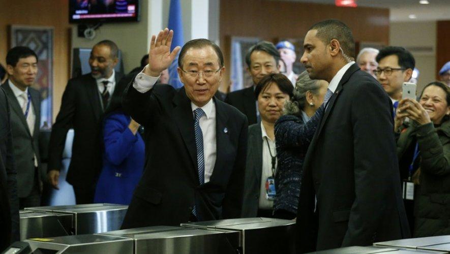 Le secrétaire général Ban Ki-moon fait ses adieux au personnel de l'ONU, à New York le 30 décembre 2016