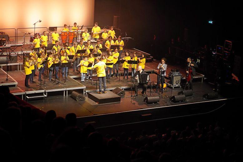 Une prestation, donnée avec Lionel Suarez, qui a enchanté le public.Photos Caroline Bottaro et M.B.