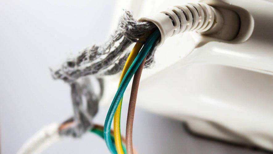 Une installation électrique non conforme aux normes peut conduire en correctionnelle le propriétaire du logement loué