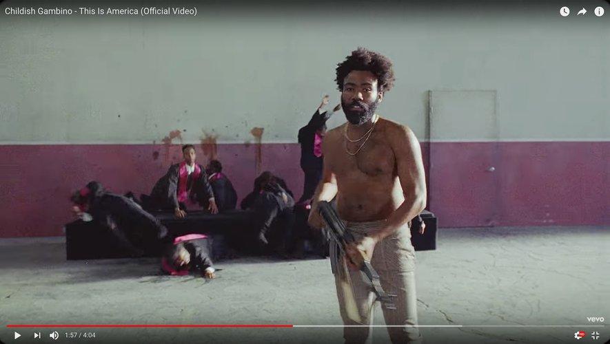 "Childish Gambino dans son nouveau clip ""This Is America""."