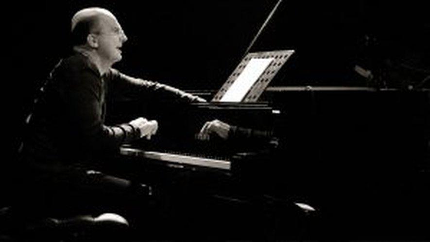 Guillaume de Chassy, piano.