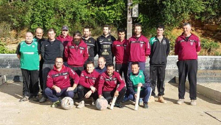 Les 4 équipes de Lunel, Bozouls et les 2 de Luc réunies avant de disputer le 3e tour de la Coupe du Midi.