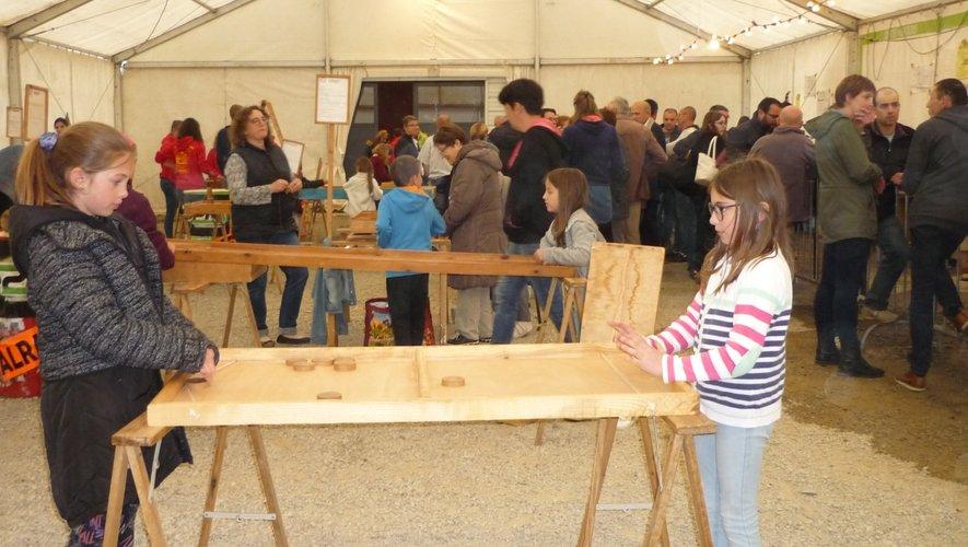 Les jeux en bois de Nicolas Dumenil ont occupé les plus jeunes tout l'après-midi