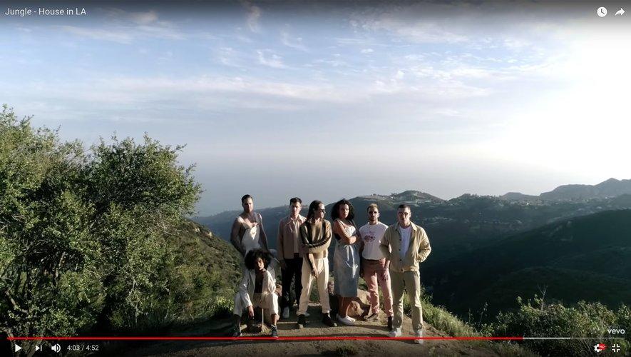 """Le clip de """"House in LA"""" par Jungle."""