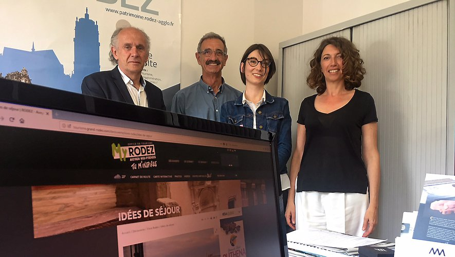 Jean-Michel Cosson, Michel Gantou, Annabel Carrié et Florence Taillefer à l'office de tourisme du Grand Rodez.