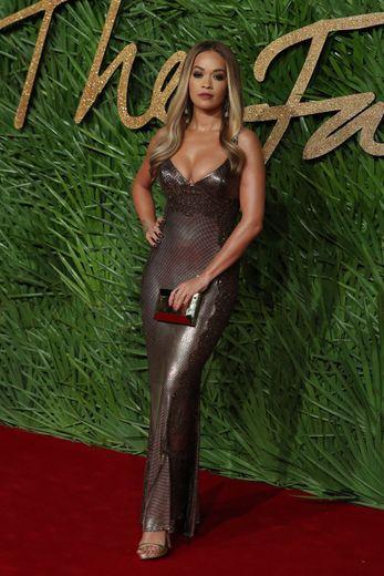 "Rita Ora sort ""Girls"", avec Charli XCX, Cardi B et Bebe Rexha."