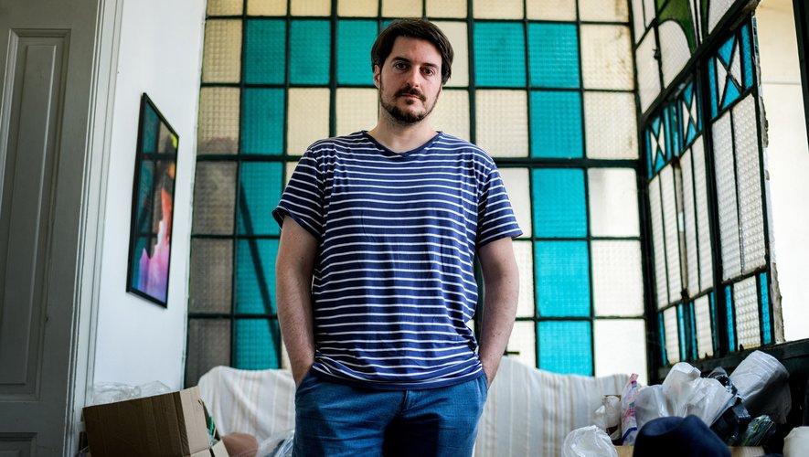 """Le réalisateur serbe Ognjen Glavonic s'attaque dans """"Teret"""" (""""La Charge"""") à un tabou dans son pays, les horreurs de la guerre du Kosovo, pour perpétuer la tradition du cinéma de l'ex-Yougoslavie à Cannes."""