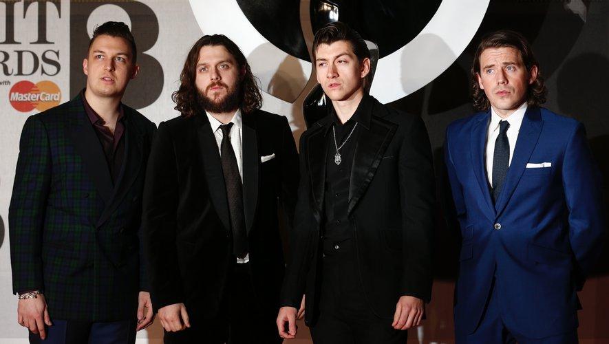 Le groupe originaire de Sheffield (nord de l'Angleterre) était très attendu après le succès mondial de son précédent album, AM, inspirés à la fois par le rock et par des influences hip-hop.