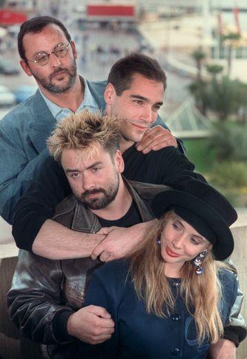 Jean Reno, Jean-Marc Barr, Luc Besson, et Rosanna Arquette, mai 1988 à Cannes