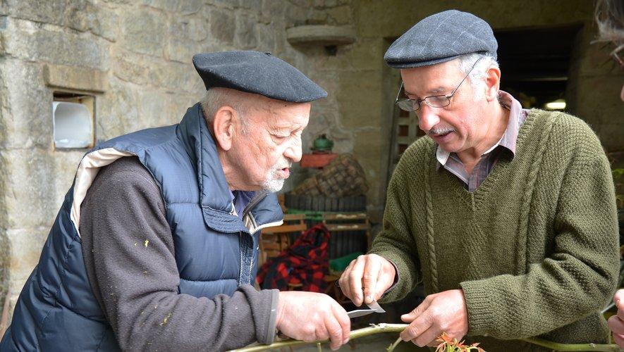 Gilbert Mestre (à gauche) cultive depuis toujours sa proximité avec la nature