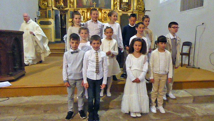 Saint-Laurent-d'Olt Le temps des communions  est de retour
