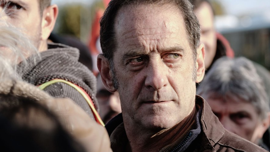 Stéphane Brizé signe un long-métrage engagé qui n'est pas sans rappeler le contexte économique et sociale dans lequel se trouve en ce moment la France avec la grève des cheminots