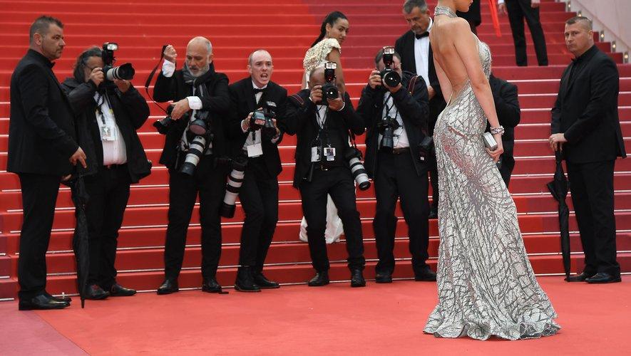 "Bella Hadid avant la projection du film ""BlacKkKlansman"""