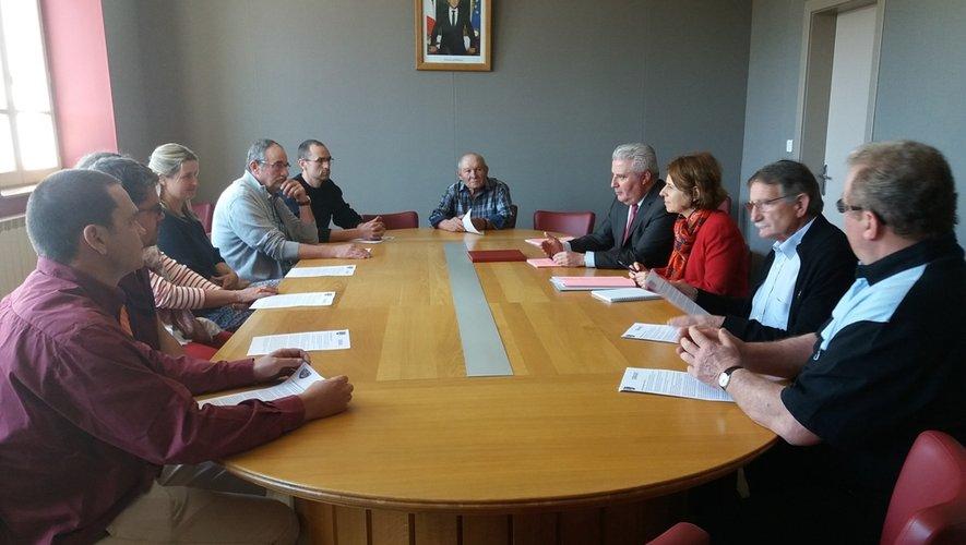 Réception en mairie pour la présentation de la commune.