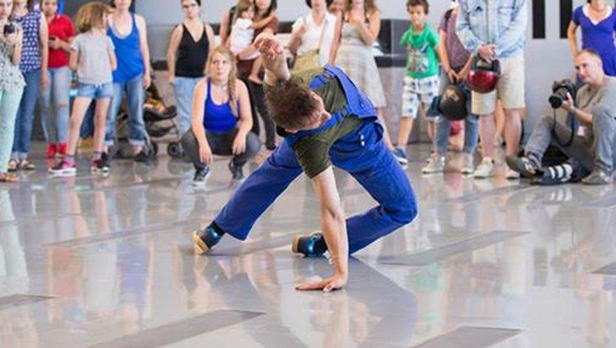 Dans le cadre de la Nuit européenne des musées, le chorégraphe Mitia Fedotenko présentera la performance With no intent au Musée Soulages.
