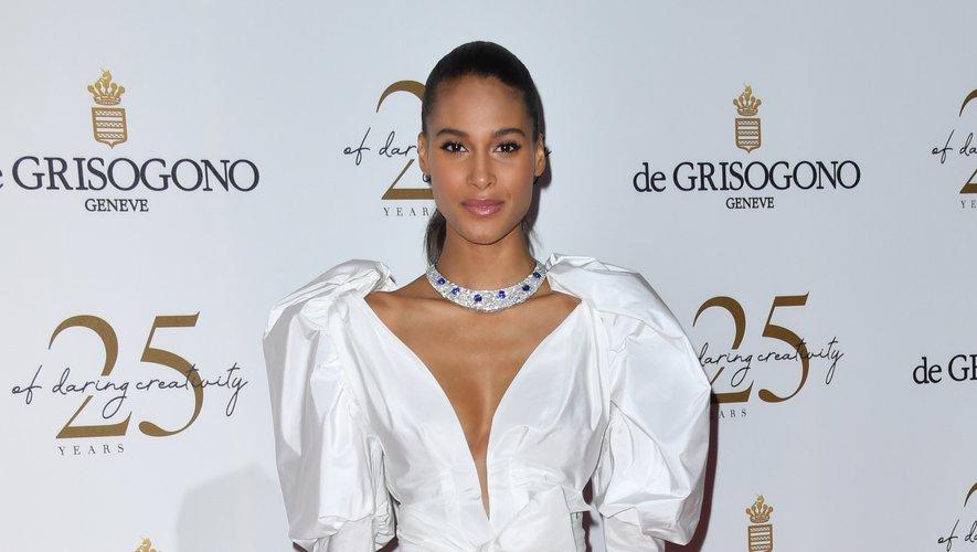 La top-modèle française Cindy Bruna était sublime dans une combinaison pantalon d'un blanc immaculé signée YolanCris pour la soirée De Grisogono. Cannes, le 15 mai 2018.