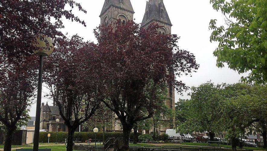 L'actuel square du Sacré-Cœur, face à l'église. Après sa réfection, il prendra le nom du couple Exbrayat.