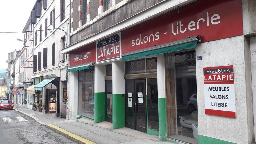 Commerce Les Meubles Latapie ont fermé rue Cayrade