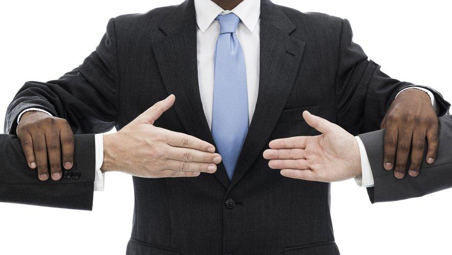 L'obligation pour un consommateur mécontent de saisir un médiateur avant de saisir éventuellement le juge est présumée abusive