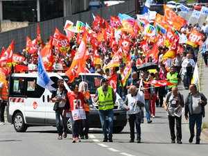 Grève des fonctionnaires : 600 personnes défilent à Rodez