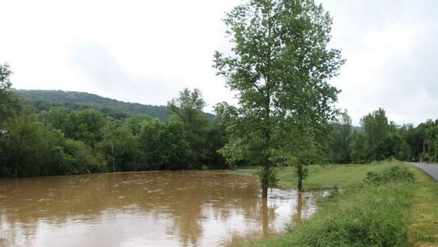 EN IMAGES. Les très fortes pluies dans l'Aveyron provoquent de gros dégâts dans le Villefranchois