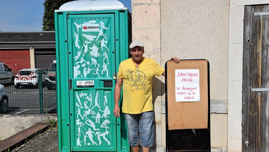 Ces sanisettes privées, mises en place par T. Cartaillac prennent le relais des WC durant les grèves.