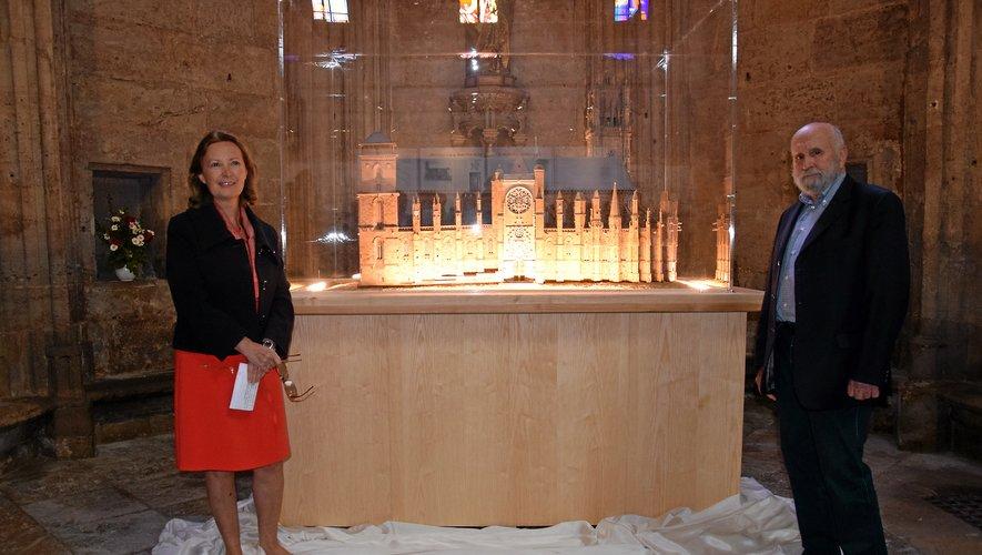 La maquette a été inaugurée par P. Douziech. et la préfète.