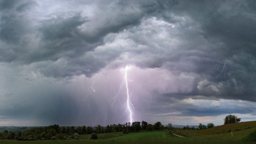 Trois mille foyer ont connu des coupures d'électricité à la suite des violents orages qui ont touché l'Aveyron dans la nuit de samedi à dimanche.