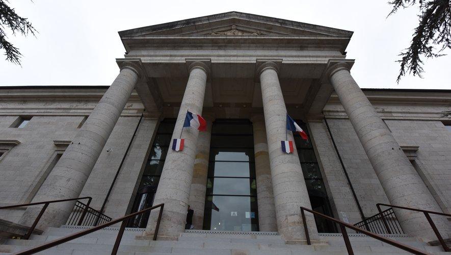 L'affaire reviendra au tribunal de Rodez début septembre.