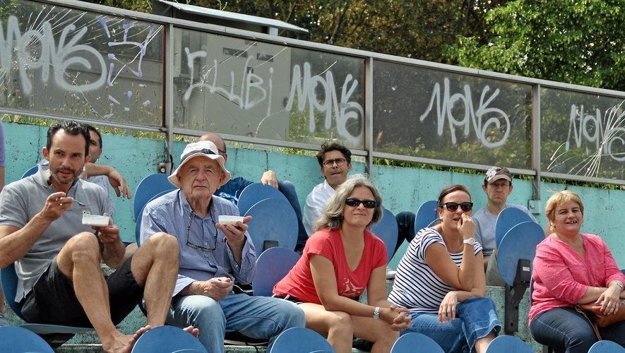À Paris Sport et convivialité pour la fête du sport des Aveyronnais de Paris et leurs amis au stade Suzanne Lenglen