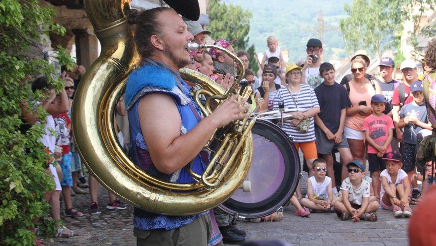 La fanfare animera  le Grand Villefranchois.