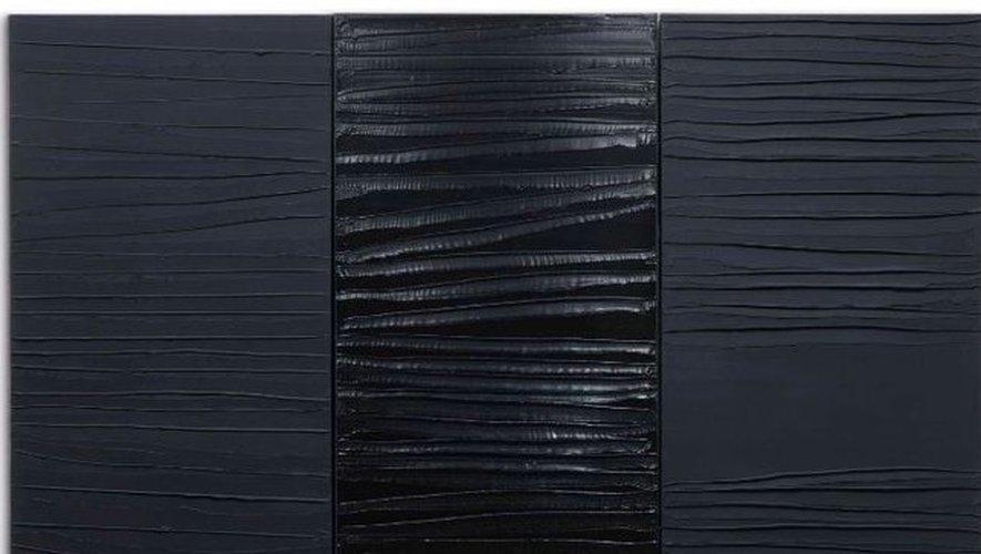 Le Triptyque 02.03.2009 de Pierre Soulages, s'est vendu 2,4 millions avec les frais.
