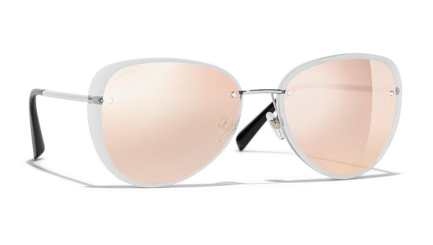 Les lunettes sans monture pilote de la collection de solaires automne 2018 de Chanel.