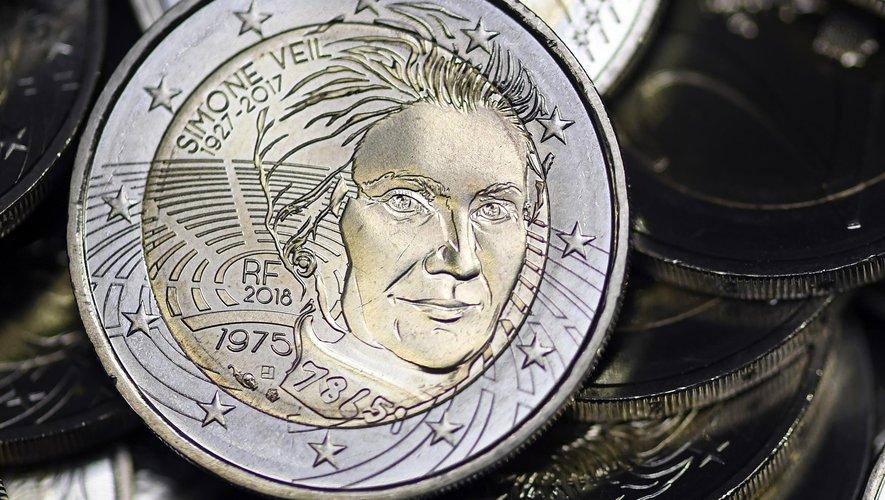 La frappe d'une pièce de 2 euros à l'effigie de Simone Veil a été lancée jeudi à la Monnaie de Paris