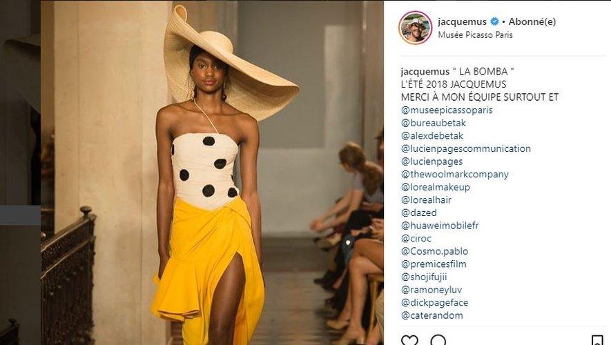 Jacquemus a proposé plusieurs créations ornées de pois pour l'été 2018. Paris, septembre 2017.