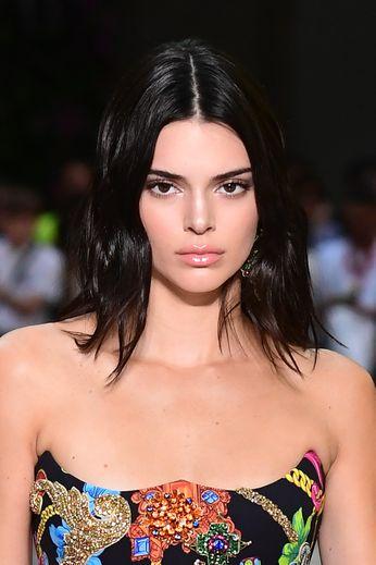 L'Américaine Kendall Jenner lors du défilé printemps/été 2019 de Versace