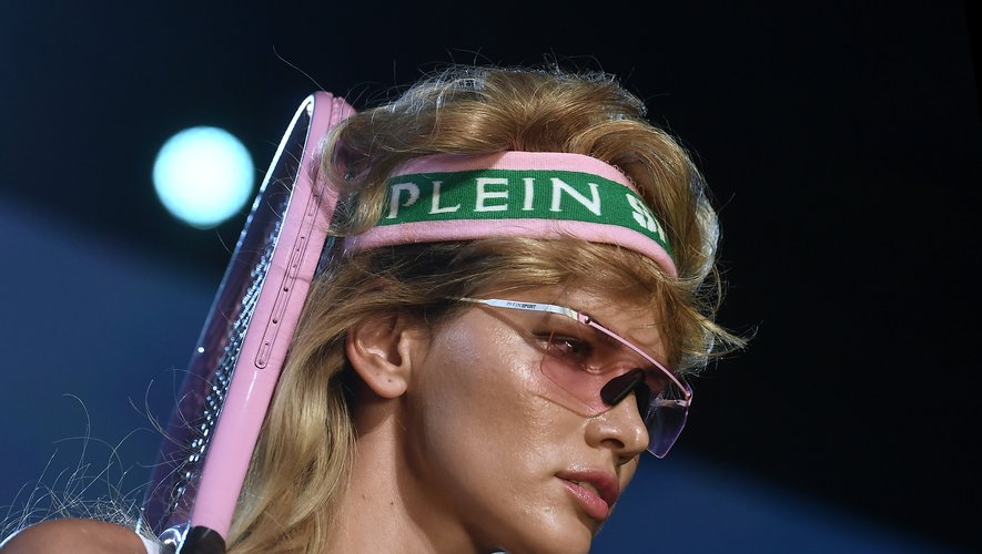 Volume rétro côté coiffures chez Plein Sport