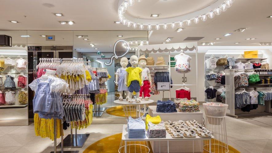 Les collections enfants de H&M, réparties sur deux étages, comprennent notamment une multitude de pièces pour les bébés.