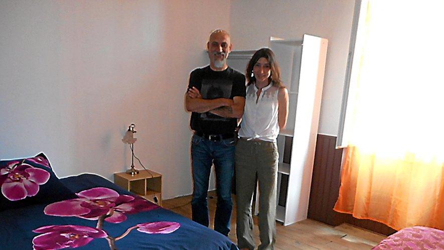 Patrice et Sandrine dans une des grandes chambres.
