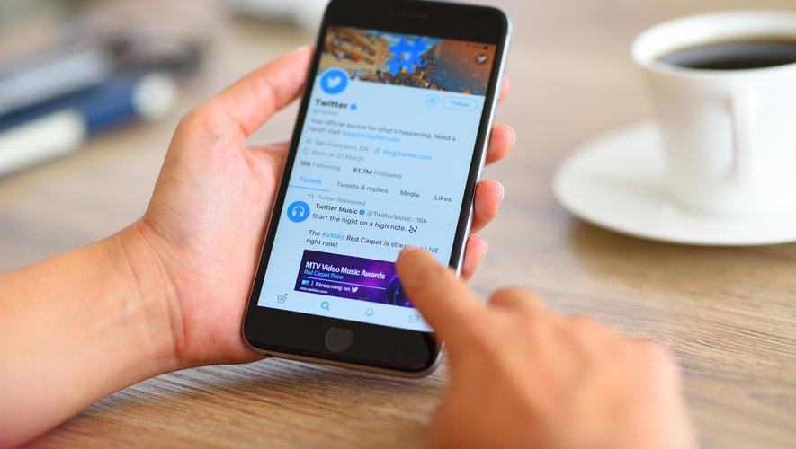 Cette mesure sera mise en oeuvre au cours de l'année et Twitter a promis de s'assurer que ce changement ne porterait pas préjudice aux nouveaux utilisateurs.