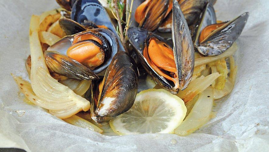 Papillote de moules au fenouil